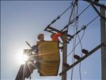 Tiêu thụ điện lại lập đỉnh mới do nắng nóng gay gắt kéo dài, EVN khuyến cáo sử dụng điện an toàn và tiết kiệm